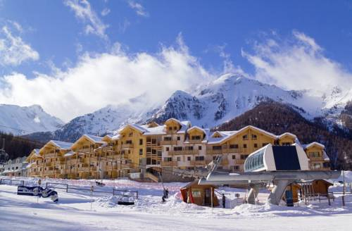 Madame Vacances Les Balcons Des Airelles : Guest accommodation near Les Orres