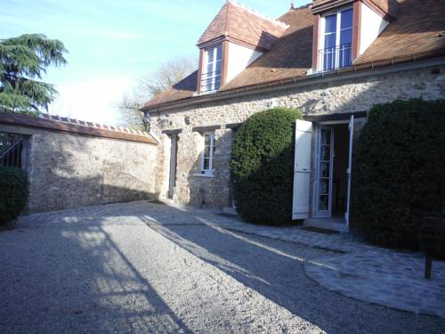 Les Chambres Du Haras : Guest accommodation near Guerville