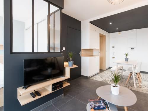 Appartement Supérieur Le 16 : Apartment near Badinières