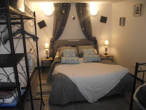 Chez Christy : Bed and Breakfast near Saint-Marcel-en-Murat