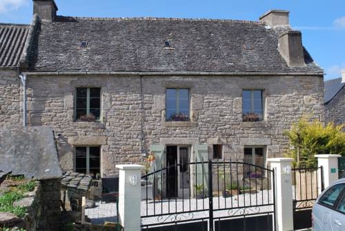 Maison des Maquisards Chambres d'hôtes : Bed and Breakfast near Berrien