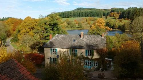 A l'etang d'yonne : Bed and Breakfast near Arleuf