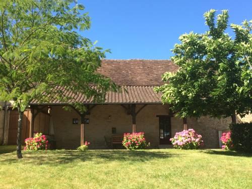 Les maisons hautes : Guest accommodation near Badefols-d'Ans