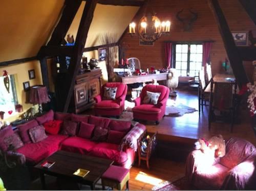 Holiday home Les Quatre Vouges : Guest accommodation near Corneuil