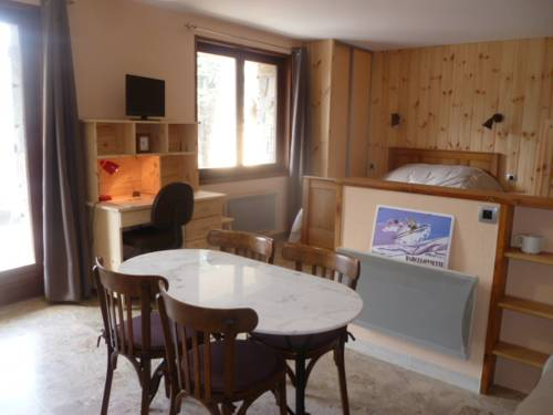 Chalet De Montagne : Apartment near Barcelonnette