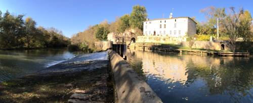 Moulin de Bapaumes : Bed and Breakfast near Nérac