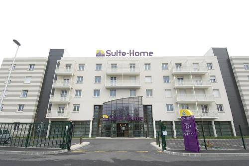 Suite-Home : Hotel near Rouvray-Sainte-Croix