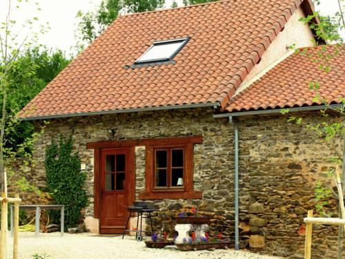 Holiday home La Petite Maison 2 : Guest accommodation near Saint-Priest-les-Fougères