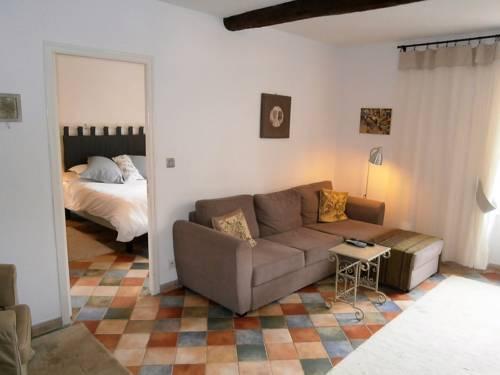 Maison de la Place : Apartment near Babeau-Bouldoux