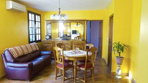 Maison Digne Les Bains : Guest accommodation near Champtercier