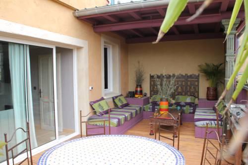 Couleurs d'Orient : Apartment near Vallon-Pont-d'Arc