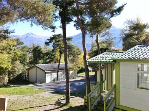 Club Nautique Alpin Serre Poncon : Guest accommodation near Puy-Sanières