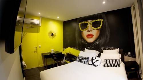 Le Glam's Hotel : Hotel near Montrouge
