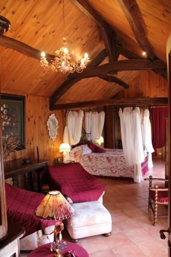 Le Relais de la Tour : Bed and Breakfast near Saint-Claude-de-Diray