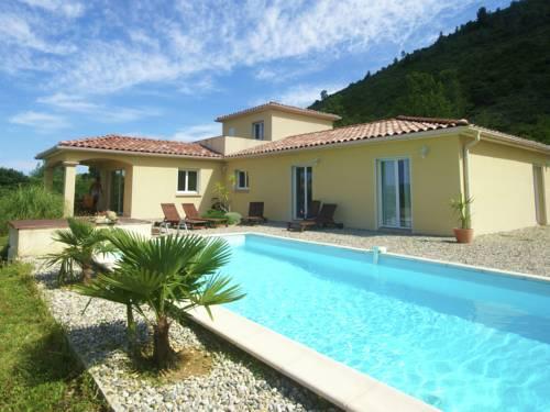 Villa Les Vans : Guest accommodation near Malarce-sur-la-Thines