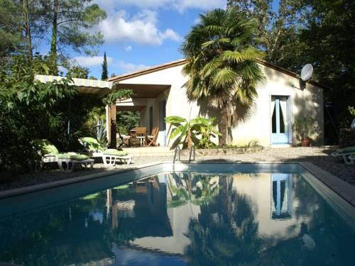 Maison De Vacances - Les Salelles 2 : Guest accommodation near Sainte-Marguerite-Lafigère