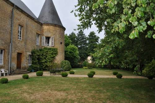Chateau De Clavy Warby : Guest accommodation near Haudrecy