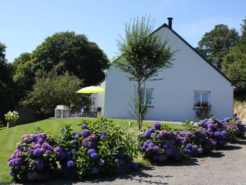Mocquet : Guest accommodation near Saint-Jean-du-Corail-des-Bois
