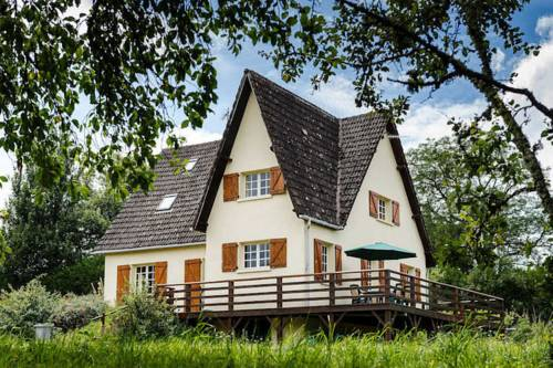 Les Bruyeres : Guest accommodation near Alligny-en-Morvan