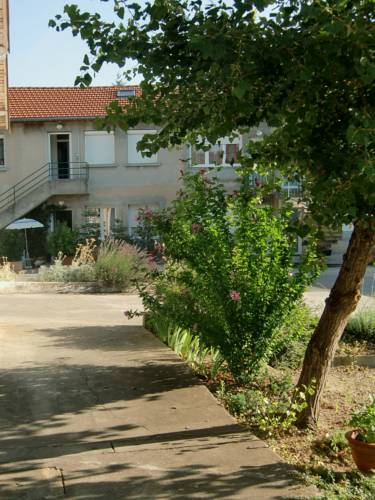 Appart-Loc : Apartment near Anthon