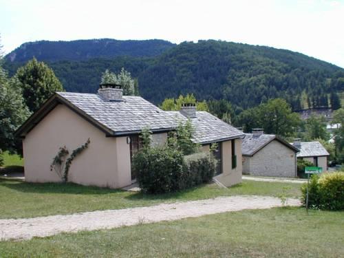 Village de Gîtes de La Canourgue : Guest accommodation near Saint-Saturnin