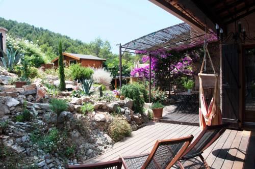 Le Mas du Pic des Fées : Guest accommodation near Hyères