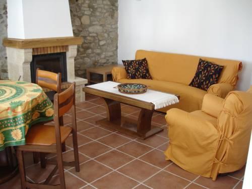 Domaine de Luzenac Gite : Guest accommodation near Rennes-le-Château