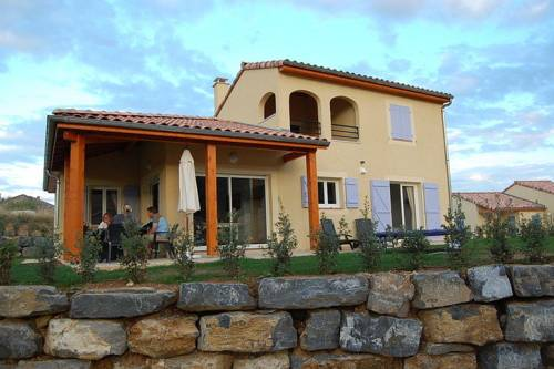 Villa Domaine Les Rives De L Ardeche 4 : Guest accommodation near Sampzon