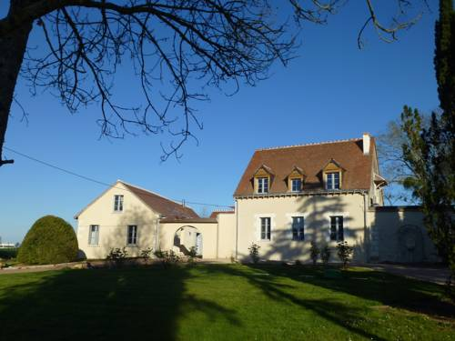 Le Petit Manoir : Bed and Breakfast near Saint-Martin-le-Beau