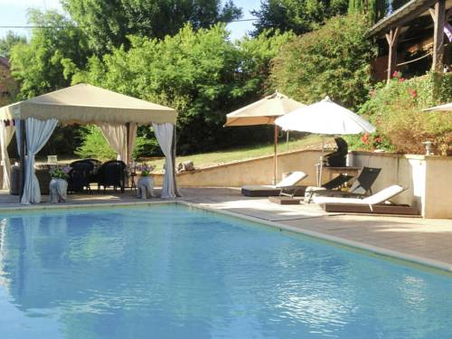Les Valades : Guest accommodation near Audrix