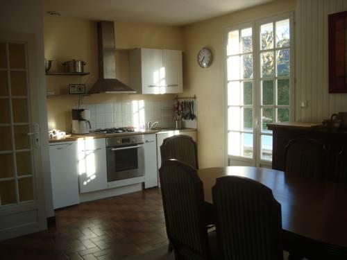 Maison à Bohars : Guest accommodation near Bourg-Blanc