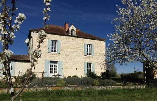 Petit Clos Chambres d'hôtes B&B : Bed and Breakfast near Auriac-sur-Dropt