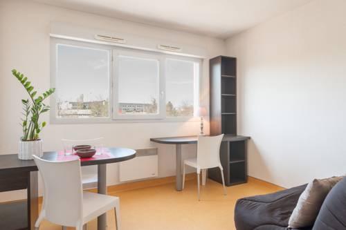 City Résidence Lyon Marcy : Apartment near Grézieu-la-Varenne