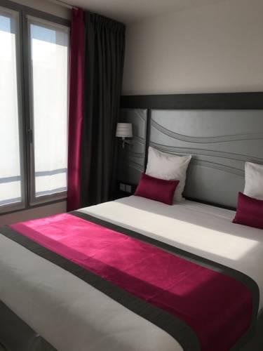 Hôtel Versailles Chantiers : Hotel near Vélizy-Villacoublay