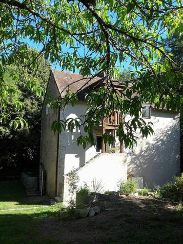 Domaine Pastel : Bed and Breakfast near Neuilly-le-Réal