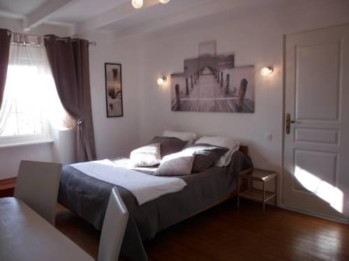 Gite familial à Carentan : Guest accommodation near Angoville-au-Plain