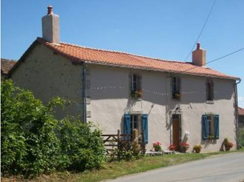 Les Deux Pignons : Bed and Breakfast near La Chapelle-Thireuil