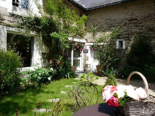 Le Chai de Clabeau : Bed and Breakfast near Luigné