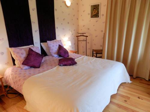 B&B Fromenteau : Bed and Breakfast near Luzy