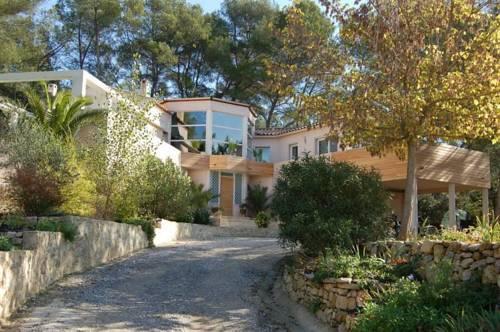 Villa Montpellier-Castelnau : Guest accommodation near Castelnau-le-Lez
