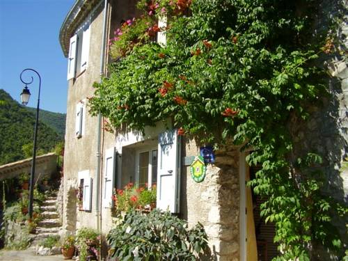 lacledesol : Bed and Breakfast near Montclus