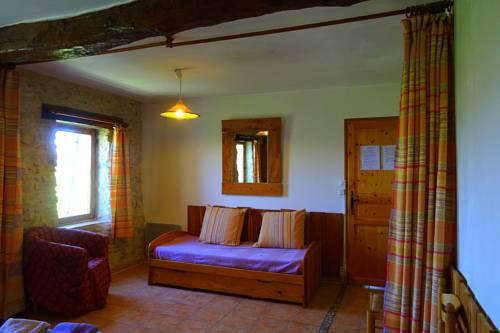 Mas Saint-Joseph : Bed and Breakfast near Aubignosc