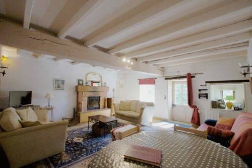 Gite Les Figuiers : Guest accommodation near La Chapelle-Thireuil