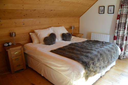 Chalet Morville : Bed and Breakfast near Saint-Christophe-en-Oisans