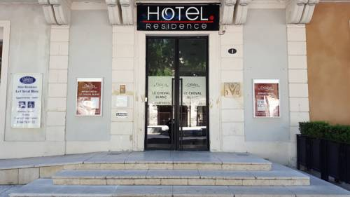 Hotel nimes hotels near n mes 30000 or 30900 france for Hotel design nimes