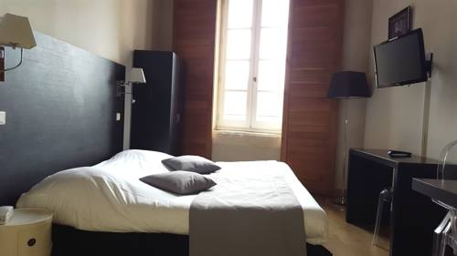 Appart'Hotel Odalys Le Cheval Blanc : Guest accommodation near Nîmes