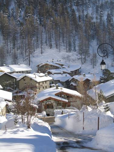 Chalet La Marsa : Guest accommodation near Val-d'Isère
