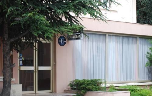 Hôtel Le Lyon Bron : Hotel near Vénissieux