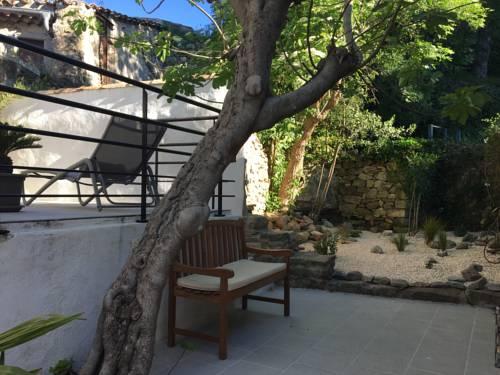 Maison Ancienne Minervois : Guest accommodation near Aigues-Vives