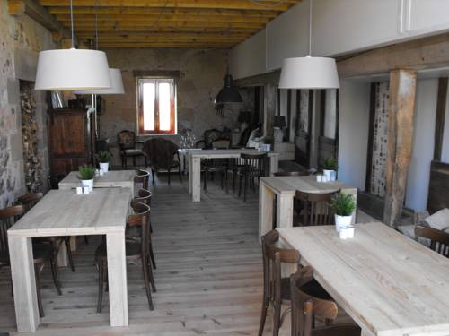 Domaine de La Madeleine : Bed and Breakfast near Saint-Aubin-le-Monial